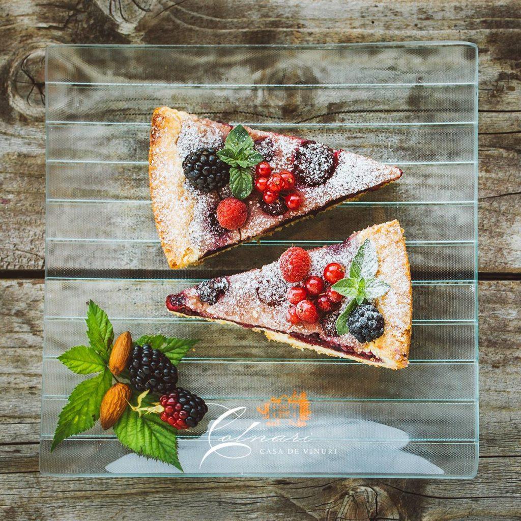 placinta-cu-fructe-de-padure