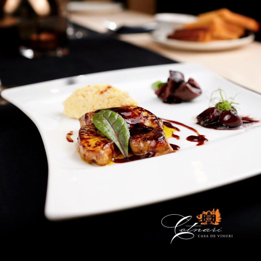 foie-gras-cu-sos-de-cirese