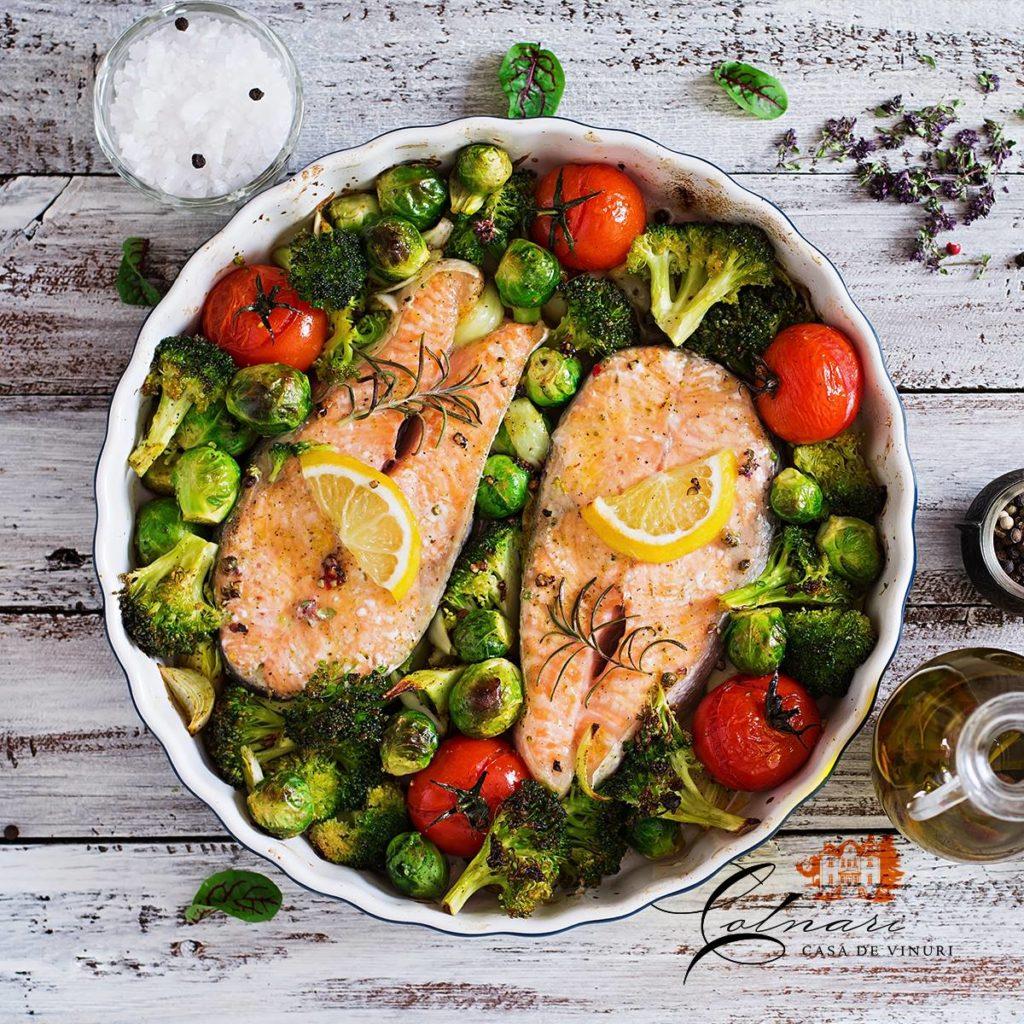 somon-la-cuptor-cu-broccoli-rosii-si-varza-de-bruxelles-361x240