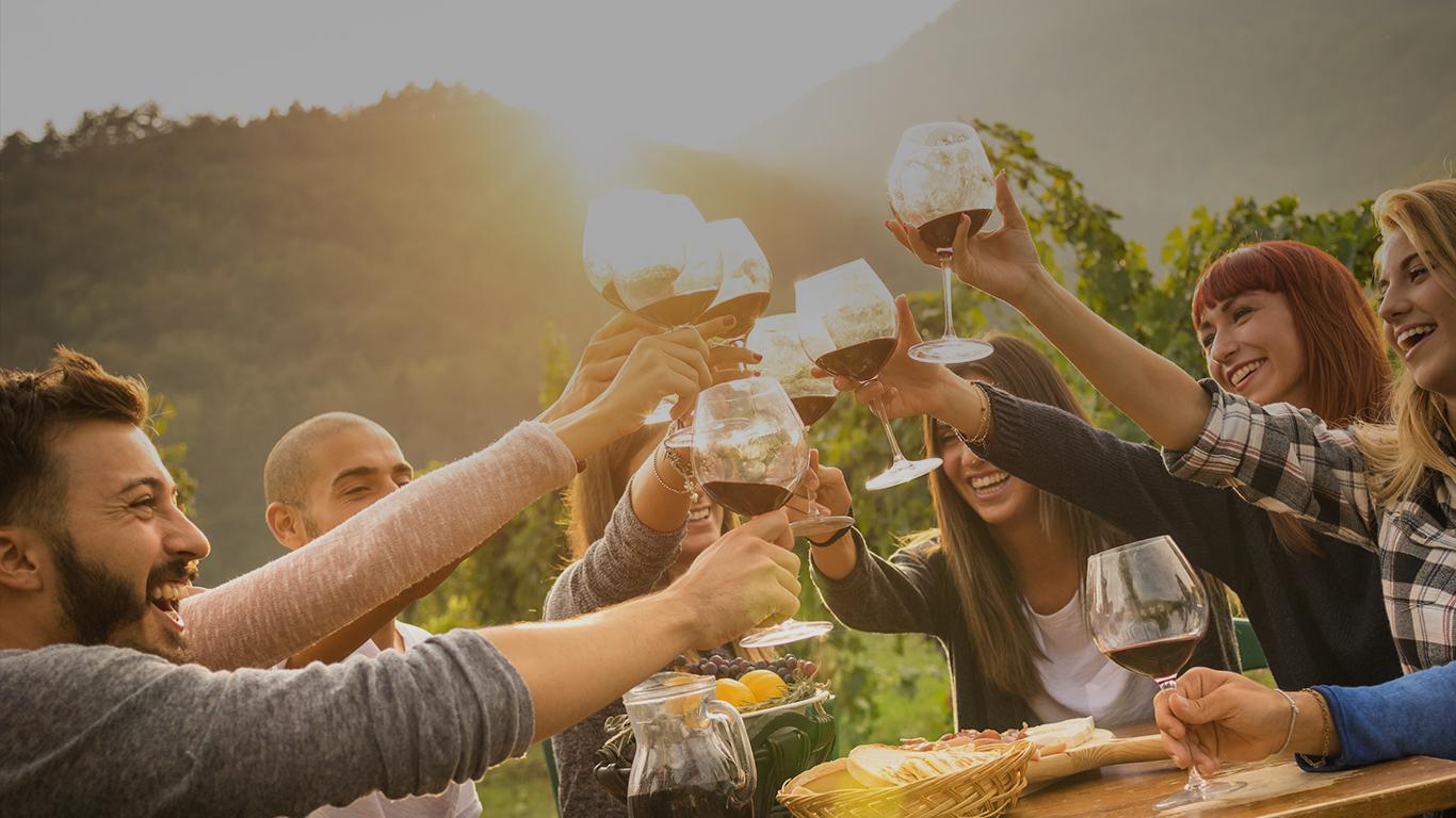 Vinul, invitatul potrivit la masa de Paşte