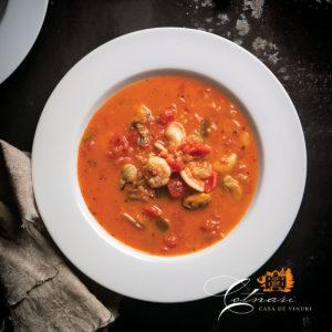supa-de-fructe-de-mare-cu-sos-de-tomate-si-lapte-de-cocos