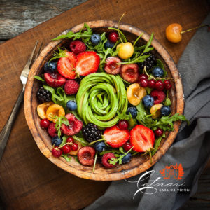 salata-fresh-cu-fructe-si-legume