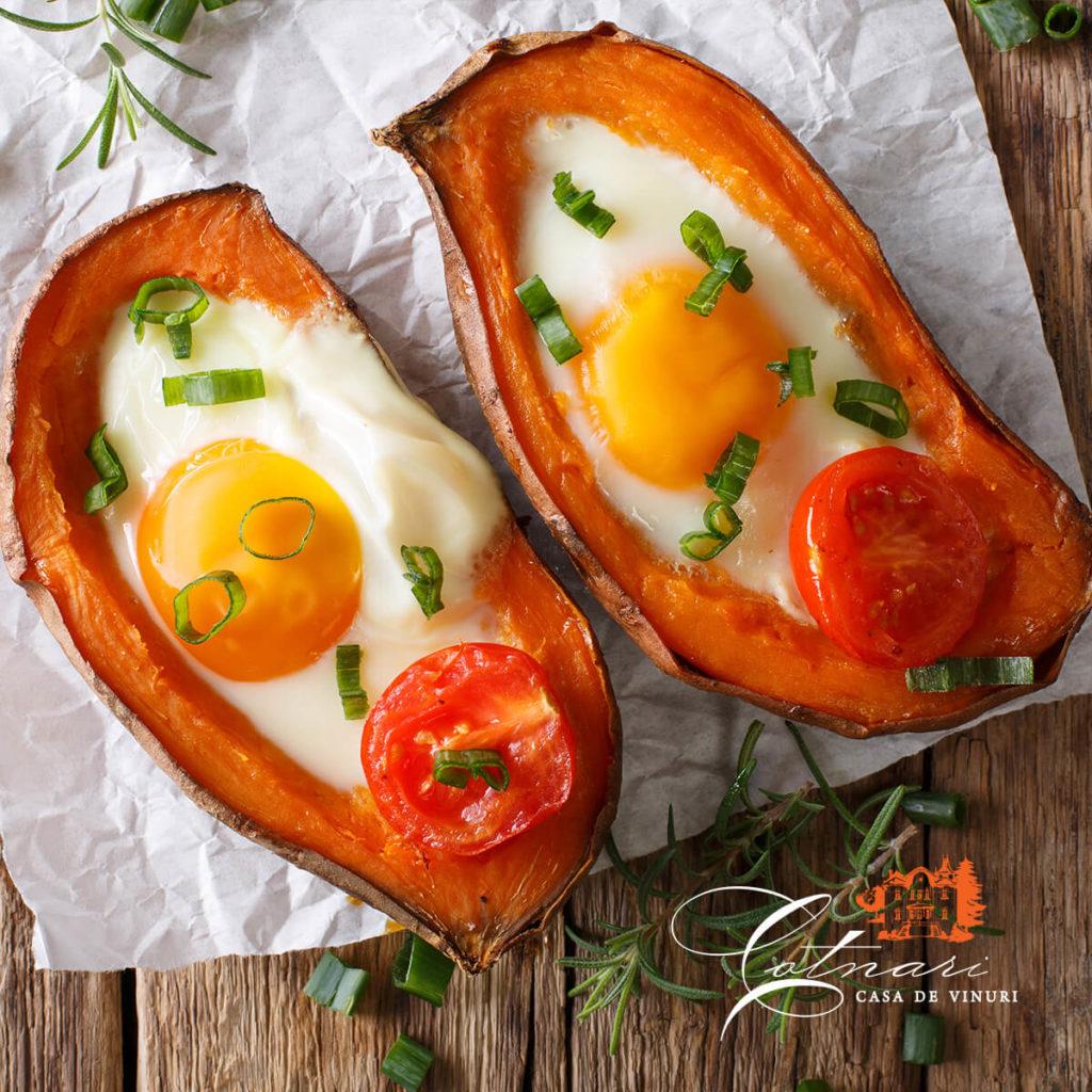 barcute-din-cartofi-dulci-cu-oua-plus-rosii