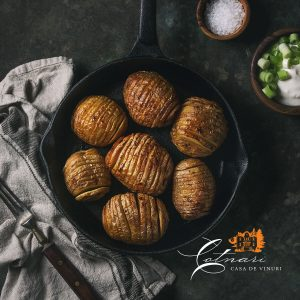 cartofi-copti-la-cuptor-cu-bacon-cartofi-acordeon